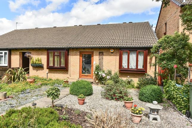 Thumbnail Bungalow for sale in Cobb Close, Datchet