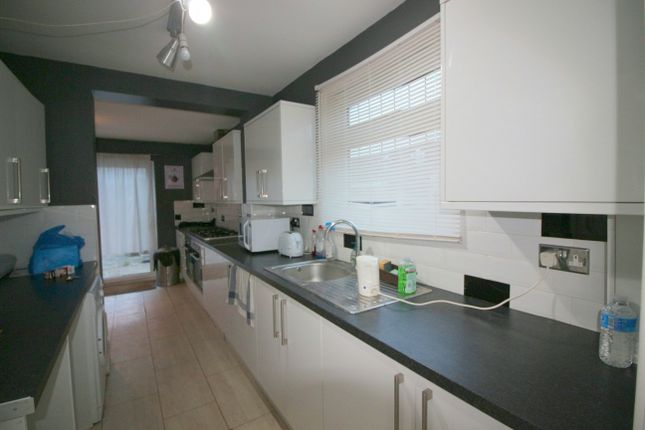 2 bed bungalow to rent in Manor Road, Dagenham, London RM10