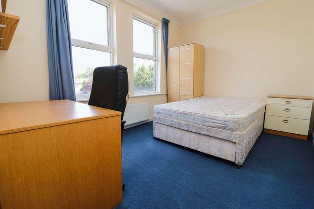 Thumbnail Semi-detached house to rent in Portswood Park, Portswood Road, Southampton