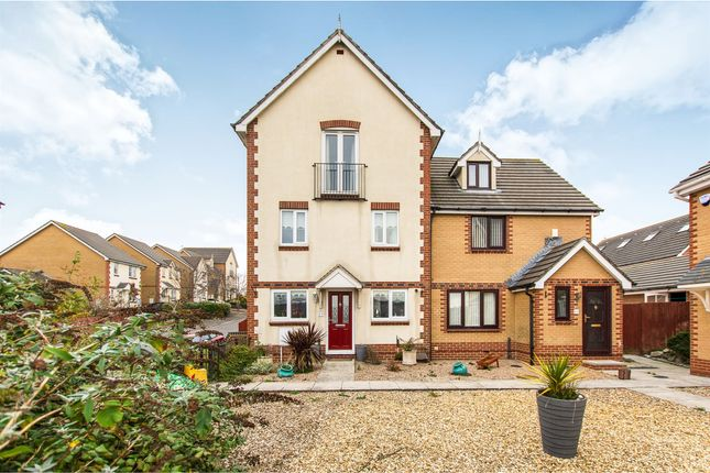 Thumbnail Town house for sale in Gwennol Y Mor, Barry
