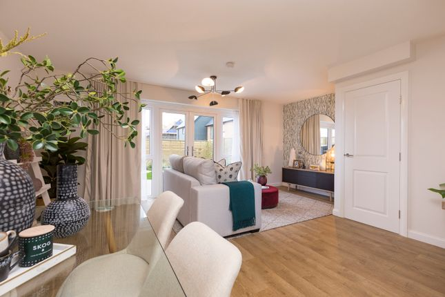 3 bedroom end terrace house for sale in London Road, Greenhithe