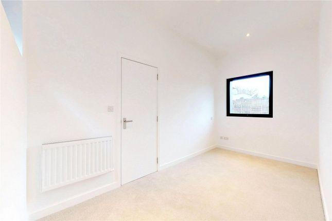 Bedroom of Slindon Court, Stoke Newington High Street, London N16