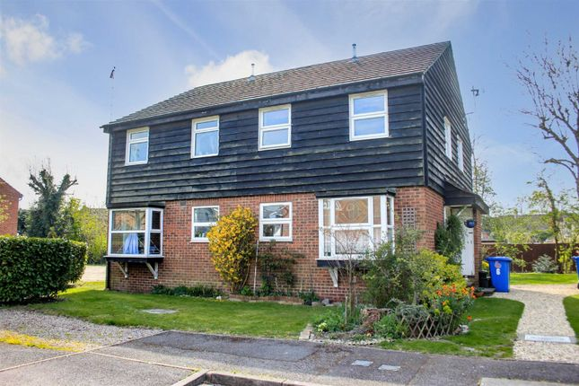Thumbnail Detached house for sale in Simpson Close, Maidenhead