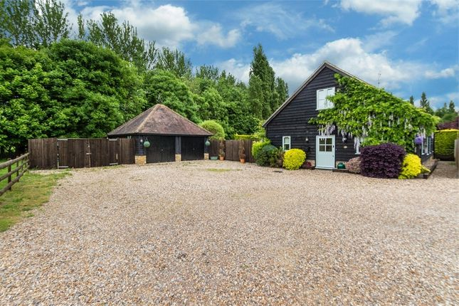 Thumbnail Barn conversion for sale in Cromwells Court, Middle Green, Langley, Buckinghamshire