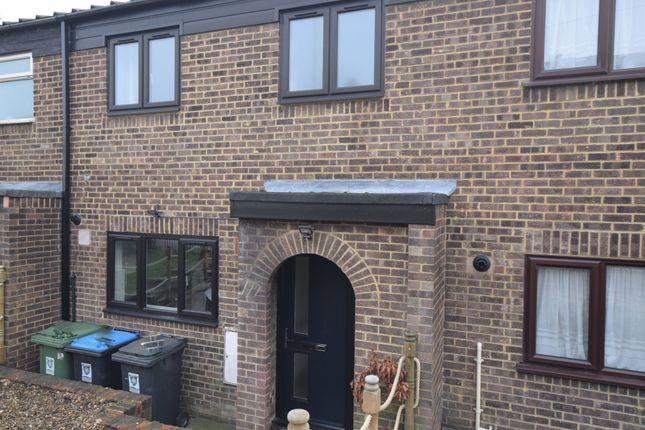 Thumbnail Terraced house to rent in St. Albans Hill, Hemel Hempstead, Hertfordshire