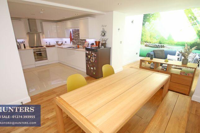 3 bed flat for sale in Chrisharben, Green End, Clayton, Bradford BD14
