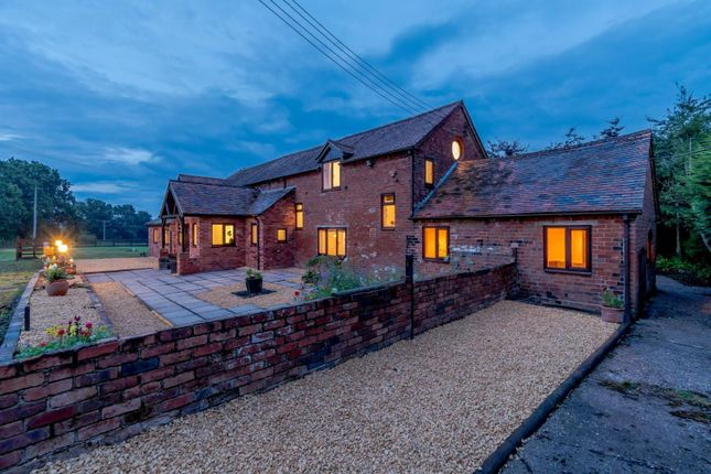 Equestrian property for sale in Middle Lane, Wythall, West Midlands