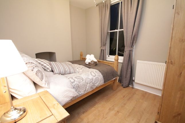 Thumbnail Shared accommodation to rent in Sidney Square, Whitechapel
