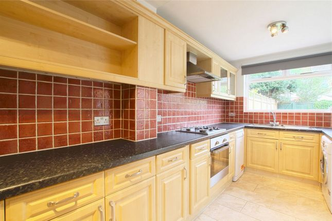 1 bed flat to rent in Midhurst Road, London