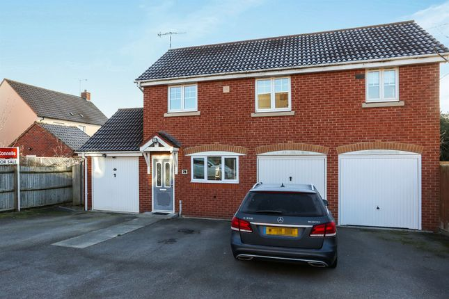 Thumbnail Property for sale in Narrow Hall Meadow, Chase Meadow Square, Warwick