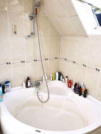 Thumbnail Room to rent in Roman Way, Islington