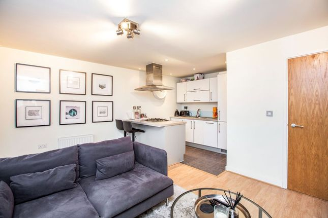 Lounge / Kitchen of Queen Mary Avenue, London E18