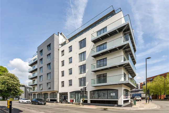 Thumbnail Flat for sale in Royal Crescent Apartments, 1 Royal Crescent Road, Southampton, Hampshire