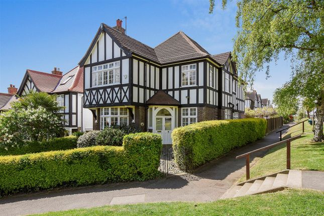 Thumbnail Detached house for sale in Hillway, London