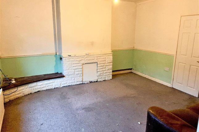 Living Room of Cambridge Street, South Elmsall, Pontefract WF9