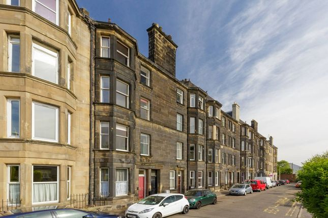 Thumbnail Flat for sale in 17/2 Links Gardens, Edinburgh