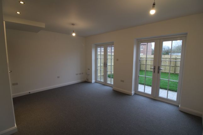 4 bedroom terraced house for sale in White Lane, Thorne