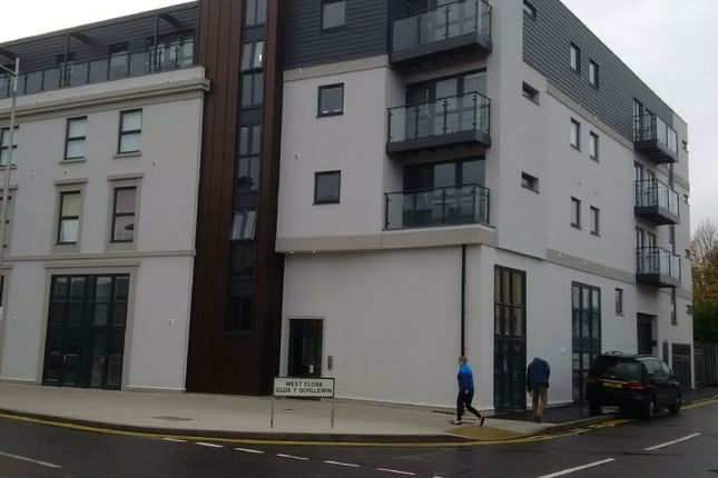 Thumbnail Flat to rent in Bute Street, Cardiff