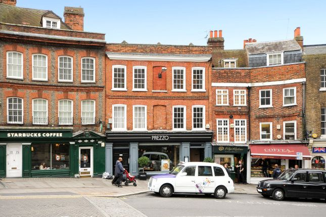 Thumbnail Flat to rent in Thames Street, Windsor, Berkshire