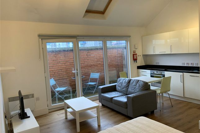 Studio to rent in Town Hall, Bexley Square, Salford, Manchester M3
