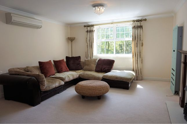 Living Area of Carmelite Drive, Reading RG30