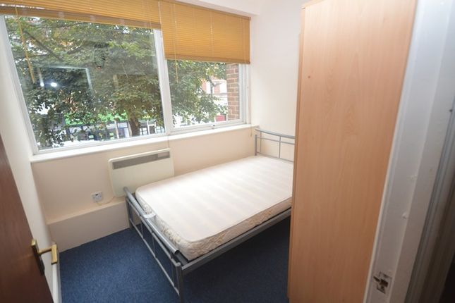 Thumbnail Flat to rent in |Ref: R152183|, London Road, Southampton