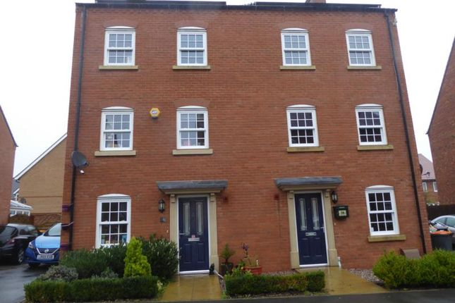 Thumbnail Town house to rent in Cantley Road, Great Denham