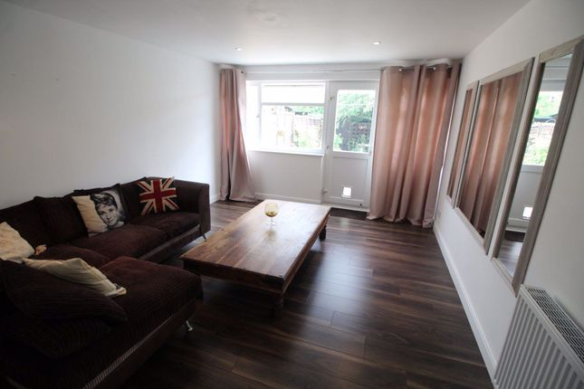 Thumbnail Room to rent in Conniburrow, Milton Keynes