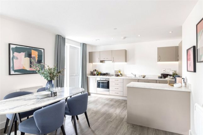 1 bed flat for sale in Station Avenue, Walton-On-Thames, Walton-On-Thames KT12