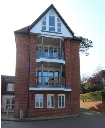 3 bed town house for sale in High Street, Hamble, Southampton