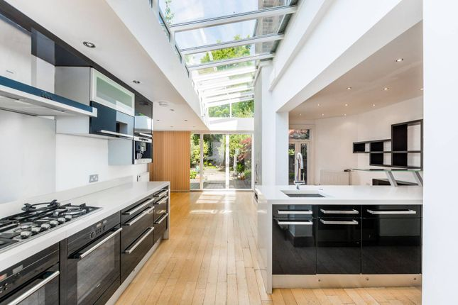 Thumbnail Property to rent in Barrington Road, Crouch End