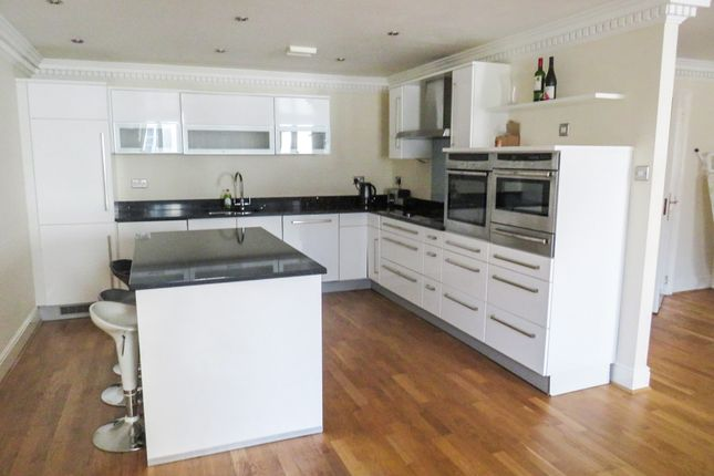 Thumbnail Penthouse for sale in South Western House, Southampton