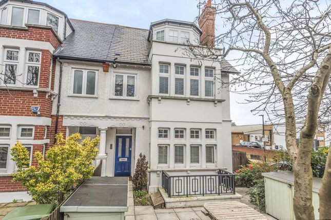 Flat for sale in Richmond, London