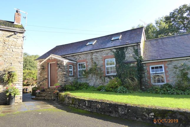 Thumbnail Cottage to rent in Llanpumsaint, Carmarthen