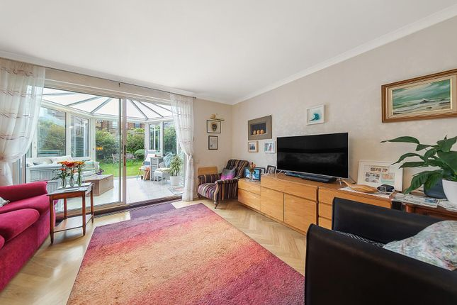 2 bed property for sale in Dray Gardens, London SW2