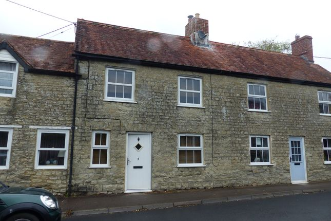 Thumbnail Cottage to rent in Castle Street, Mere