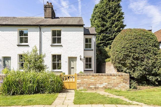 Thumbnail Cottage to rent in West Common, Harpenden, Herts
