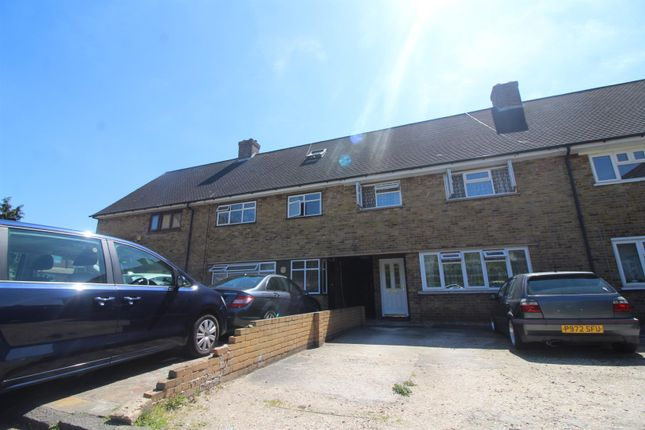 5 bedroom terraced house for sale in Charnwood Road, Enfield