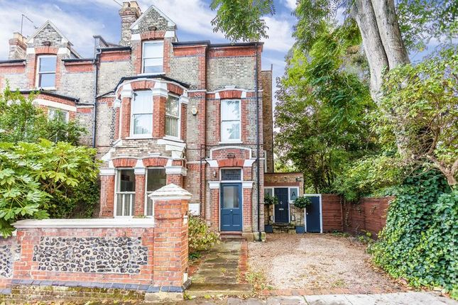 Thumbnail Maisonette for sale in Crouch Hall Road, London