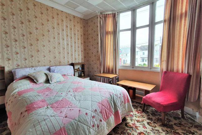 Bedroom 1 of Indian Queens, St. Columb TR9