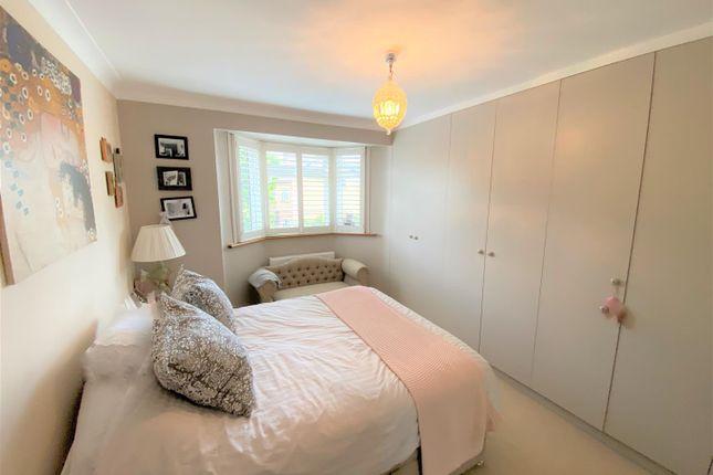 Double Bedroom of The Avenue, London E4