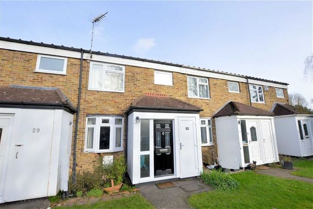 Thumbnail Terraced house for sale in Highfield Green, Epping