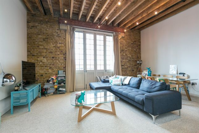 Thumbnail Barn conversion for sale in Western Gateway, London