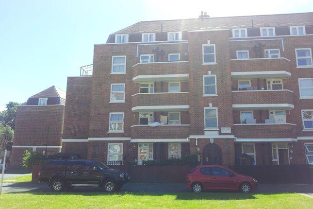 Thumbnail Flat to rent in Hatfeild Mead, Morden