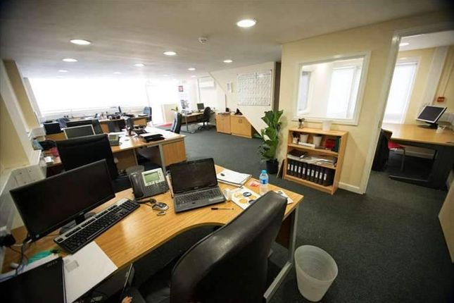 Serviced office to let in Barton Road, Newton Leys, Bletchley, Milton Keynes