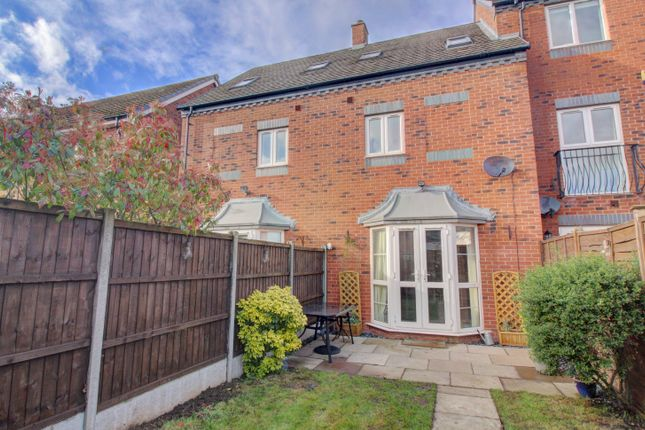 Thumbnail Town house for sale in Chesterfield Road, Lichfield