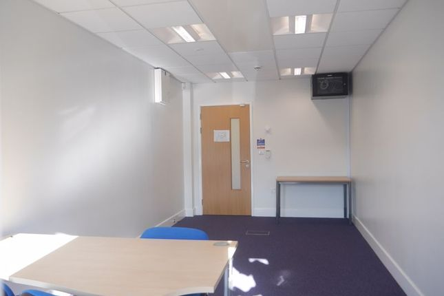 Photo 4 of Room 13, The Beacon, Westgate Road, Fenham NE4