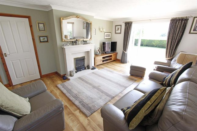 Lounge of Fen Road, Pointon, Sleaford NG34