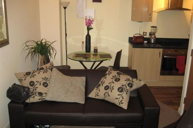 Thumbnail Cottage to rent in Burley Road, Burley, Leeds