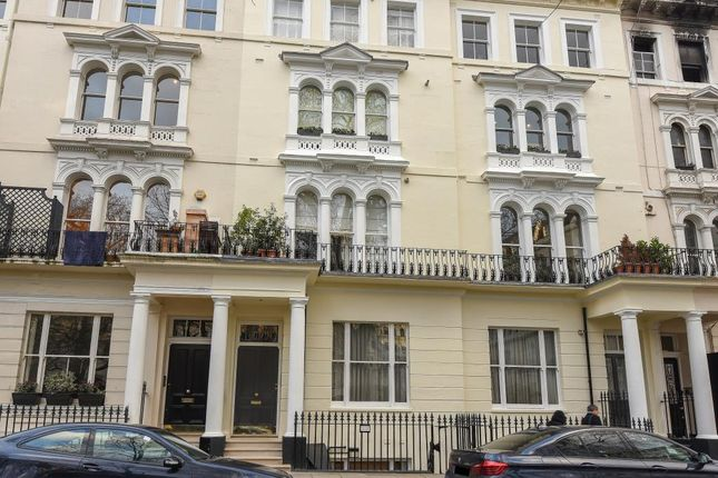 2 bed flat for sale in Kensington Garden Square, Bayswater